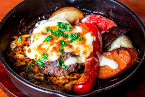 インゾーネ テーブル hamburg and cheese