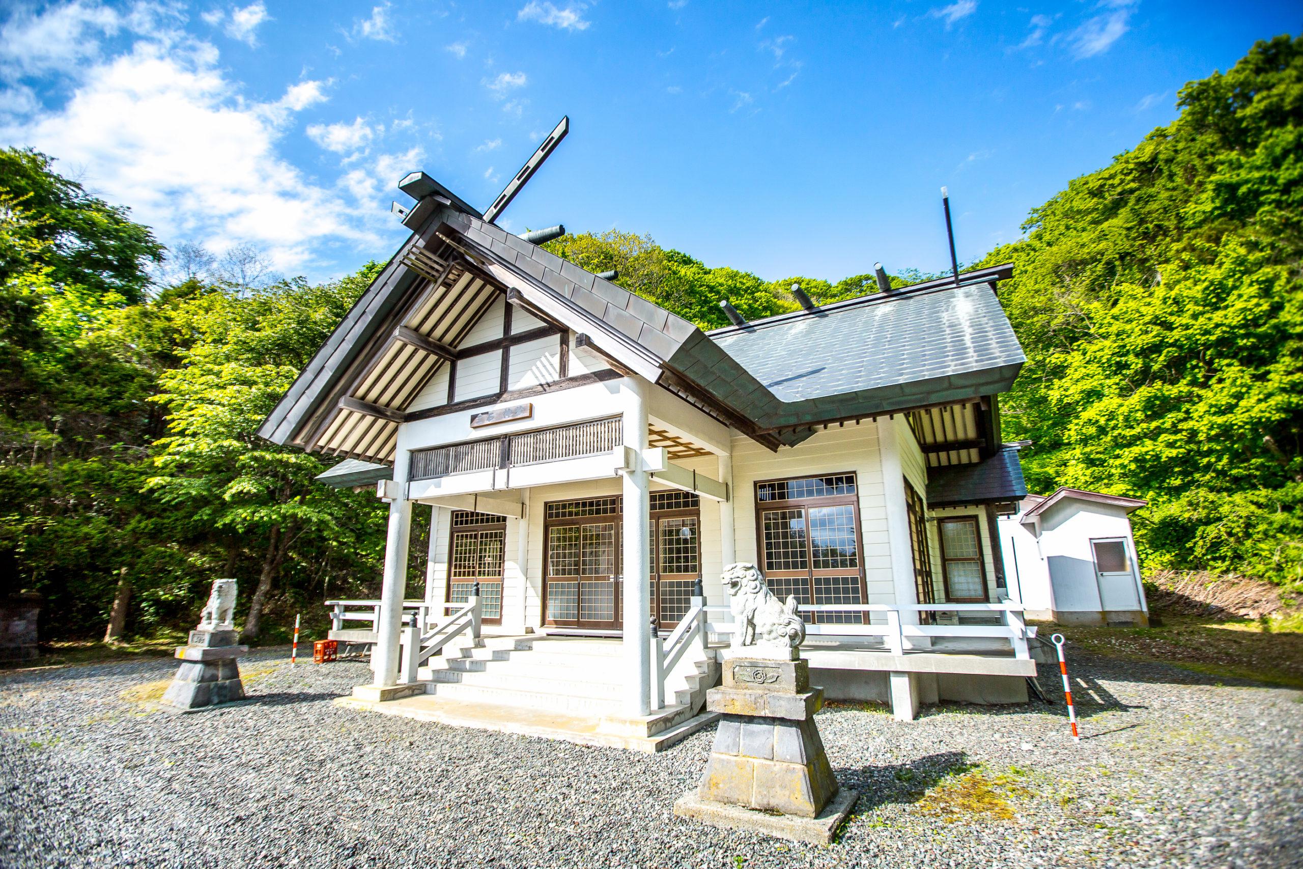Mitsuishi-Jinja Shinto Shrine